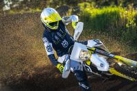 HUSQVARNA MOTORCYCLES REPLICA FLASH COLLECTION 2019 BY SHOT NU BESCHIKBAAR