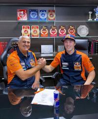 Red Bull KTM Factory Racing contracteert Mattia Guadagnini