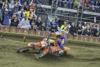 Zwarte Cross journaal: Burn Outs, vette scrubs en spannende gevechten in de MX1 en MX2