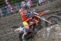 Jeffrey Herlings gaat diep voor Grand Prix zege in Indonesie