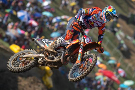 Film: Herlings, Olsen, Beaton en Vialle in training in Spanje