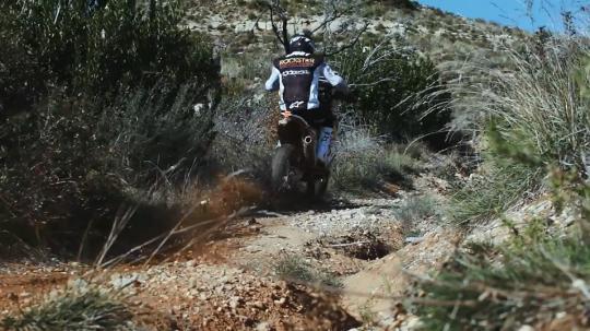 Film: Quintanilla en Short prepareren zich op de Dakar Rally