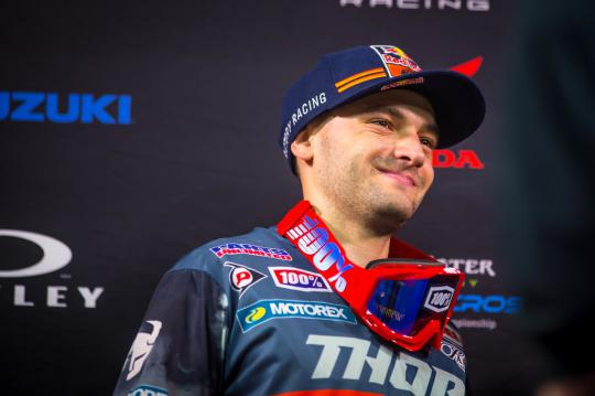 Film: Ook Cooper Webb start in Red Bull Straight Rhythm