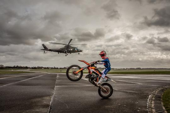 Film: Liam Everts op de vliegbasis