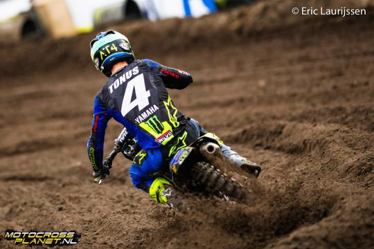 Film: Arnaud Tonus in training op Yamaha 2-takt