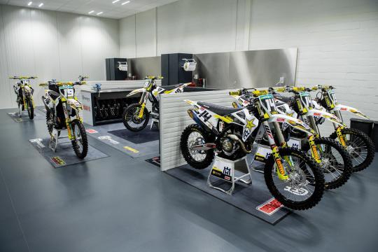 Film: Krijg een rondleiding van Rasmus Jorgensen in de werkplaats van Rockstar Energy Husqvarna Factory Racing