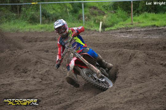 Marc de Reuver op het podium in ONK MX1 in Oss