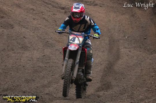 Micha Boy de Waal op het podium in wintercross Groesbeek