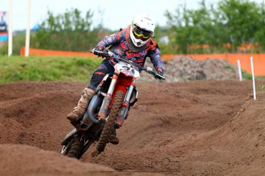 Milan van de Bunte in de top 15 in de Dutch Masters 85cc in Emmen