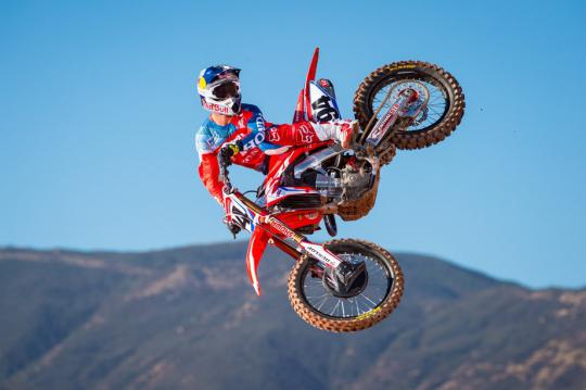 Ken Roczen voor team Duitsland in MX des Nations