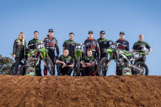Fotoshoot: Line up F&H Kawasaki Racing Team