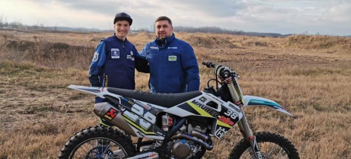 Adam Kovacs tekent contract bij Husqvarna Maurer GEP racing voor 2020