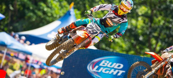 Watch the first motos of the Outdoor National in Iron Man live from 19:00
