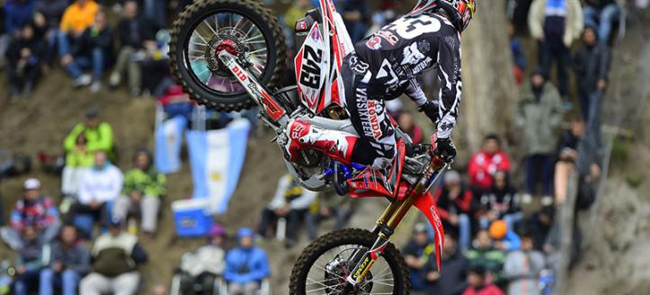 Tim Gajser takes the pole in the MXGP class in Latvia