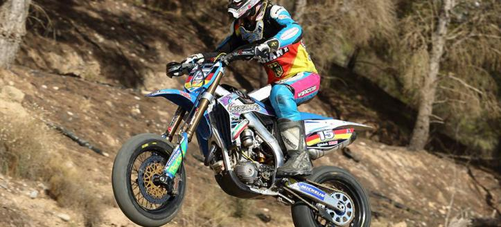 Watch how team France took the win in the supermoto of nations