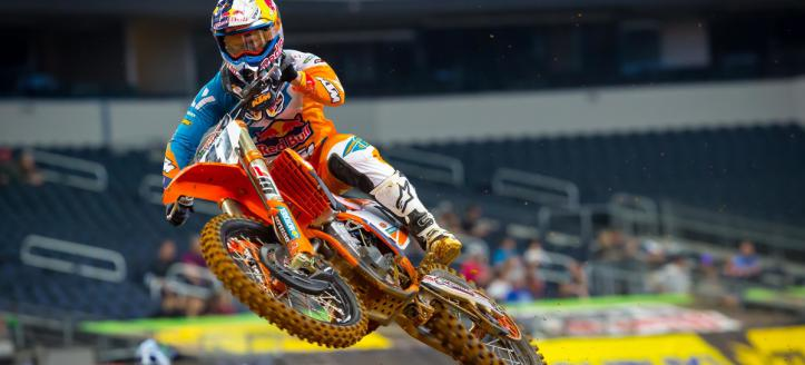 Watch qualifying of the AMA Supercross in Minneapolis live from 19:30