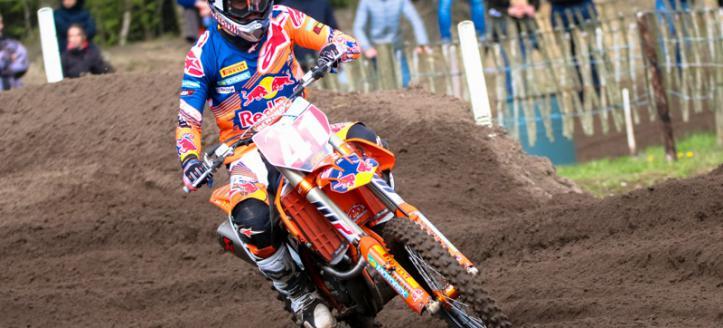 Pauls Jonass wins first MX2 moto in Valkenswaard