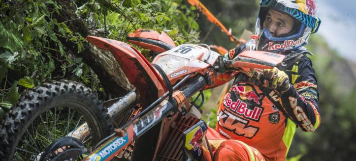 Logs, rocks and motorbikes | Red Bull Romaniacs 2017 Prologue Highlights are here