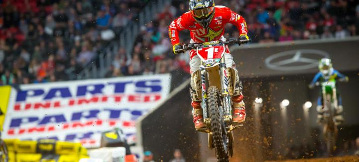 Watch qualifying of the AMA Supercross in St. Louis live from 18H50