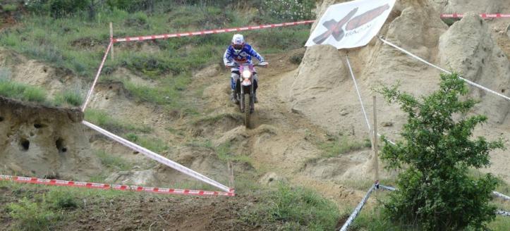 Een overwinning en podiumplaatsen voor Klink en Vierhuizen in het EK Enduro in Roemenie